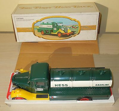 The First Hess Truck 1982 1983  NEW IN BOX READ DESCRITPION