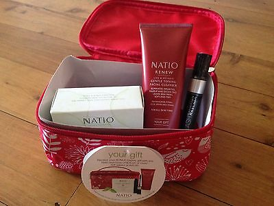 Natio Beauty Gift Pack with Facial Cleanser, Wipes & Mascara