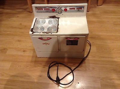 Vintage 1950's Little Chef Metal White Stove Oven (Used)