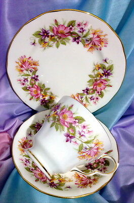 COLCLOUGH WAYSIDE PINK PURPLE YELLOW TRIO TEA CUP SAUCER SIDE PLATE cup chip