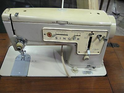 Singer Zig-Zag 457 Stylist Electric Sewing Machine from 1969 in Cabinet