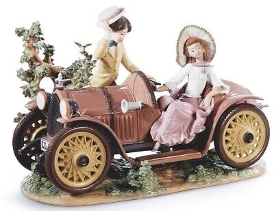 Lladro Personalized Limited Edition 01001393  YOUNG COUPLE WITH CAR BRAND NEW