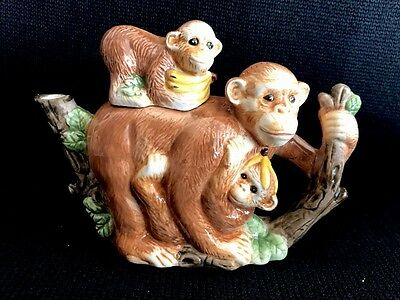 Heritage Mint Ltd. Collectables Monkey Family Teapot