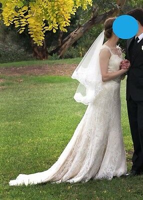 Gorgeous sweetheart neckline wedding dress, size 8, lace and silk