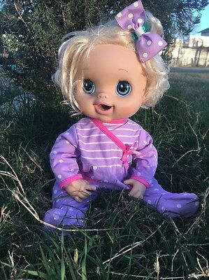 BABY ALIVE  doll 2010  From Hasbro������ VIDEO)������Blonde/blue Eyes,English Sp