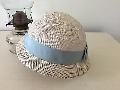 True vintage little girls straw hat with coloured band aprox size 4 - 5 yrs