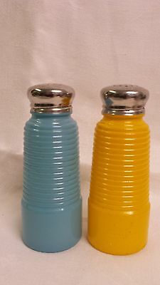 """Vintage Range Set Salt and Pepper Yellow And Blue Over Clear Glass 5"""" tall"""