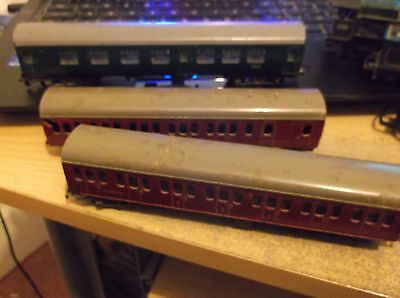 3 Triang Tt Scale Coaches