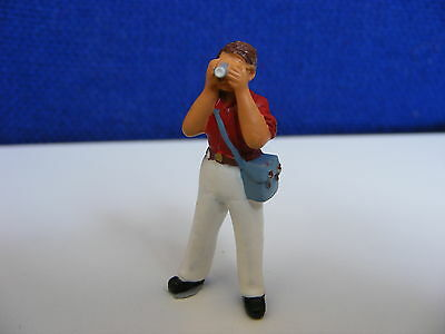 Photographer with 35mm Camera & Bag - 1:43 O Gauge Painted Metal Model