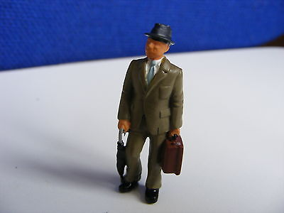 Gentleman in Trilby, Beige Suit + Case & Umbrella - O Gauge Painted Metal ModelP