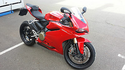 Ducati 1299 Panigale 2015 Red - Only 564 Miles!!!