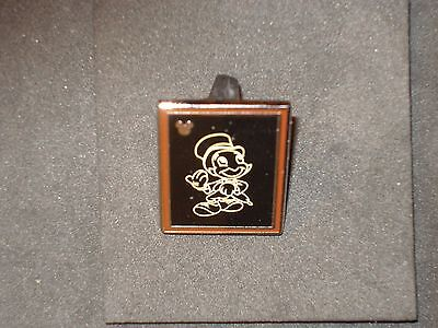 DLR 2014 Hidden Mickey Chalk Sketch Jiminy Cricket Chaser Pin