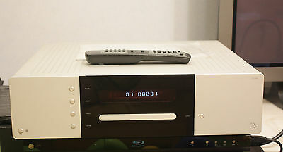DLS CD ONE SACD-CD player with XLR and RCA outputs