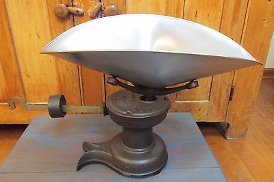 Antique Howe Scale With Silver/Chrome Type Scale Pan, Country, Kitchen, General