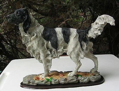 English Setter Large Standing At Point Figurine Mounted On A Wood Base