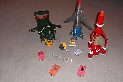 Supersize Thunderbirds 1, 2, 3 & 4 plus figures, submarine and 3 x Fab 1