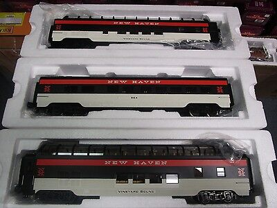 Mth 30-67200,30-67201 (2) New Haven Coach And 2 Full Vista Domes