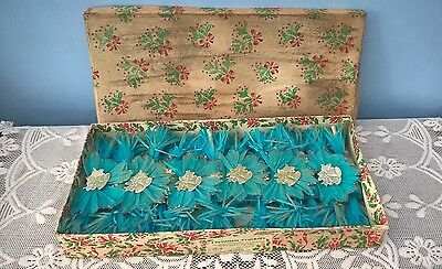 VINTAGE JOHN WAGNER & Co LTD. MADE IN ENGLAND BOX OF 12 CHRISTMAS CRACKERS