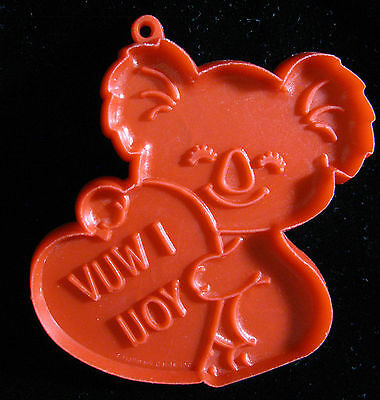 Collectible HALLMARK KOALA BEAR with Valentine Cookie Cutter I WUV YOU