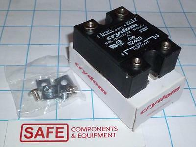 Crydom D2524 Solid State Relay *NEW* 3-32V to 240V OUT 25A SPST-NO QTY-1 R52-9