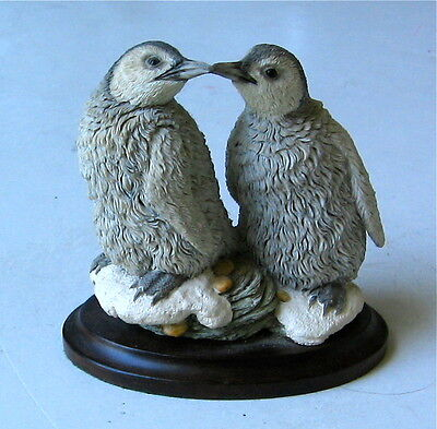 Vintage Penquin Figurine On A Wood Base Country Artists England