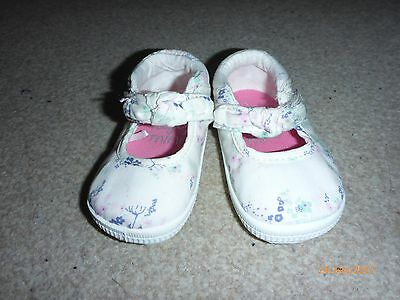 Next Mini size 2 shoes baby girl