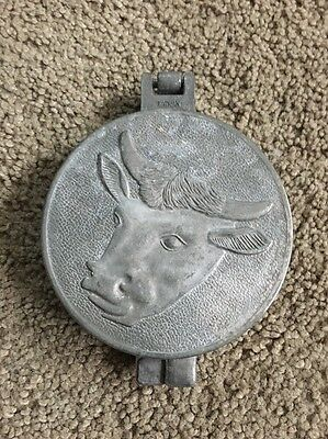 (A1)VTG Hamburger burger meat patty mold press Bull Cow Kitchen Utensil Rare old