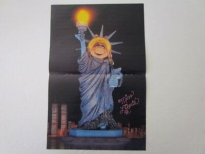1986 Fold-Out Magazine Poster MISS PIGGY-MUPPETS-Statue of Liberty,New York