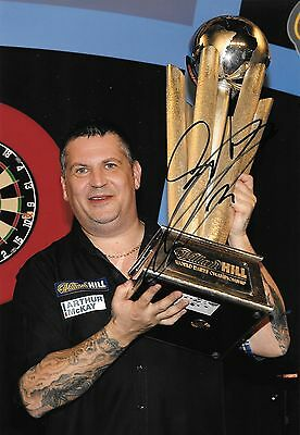 gary anderson 2 time world champion holding trophy 2016 signed 12x8 photo PROOF