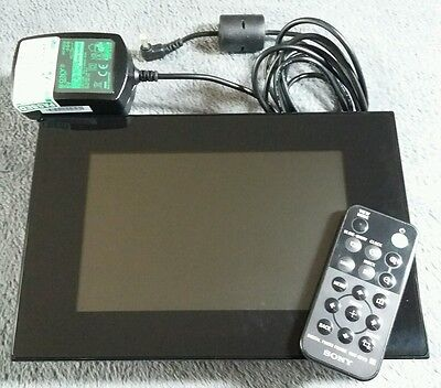 Sony DPF-D72N Digital Picture Frame with remote control