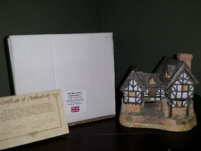 1981 David Winter Cottage TUDOR MANOR HOUSE Box and COA included