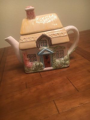 Teapot House Tea and Cookie Jar - Small Sized Cute and Fuctional