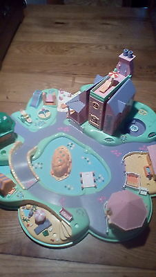 Polly Pocket Vacation Village Beach Resort