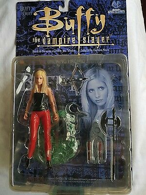 Buffy the vampire slayer figure. Buffy, red jeans