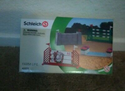 New! Schleich Show Jumping Course farm life 42271