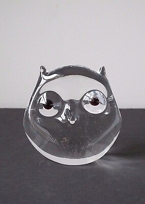 Scandinavian Modern Mid Century Art Glass Owl Paperweight Made in Sweden