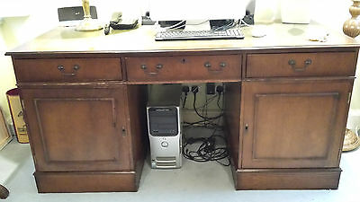 Classic Style Kneehole Pedestal Desk Leather Inlay Top With Matching Chair