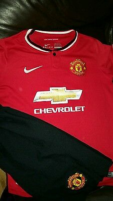 Kids red Manchester United FC  Kit 10-12yrs