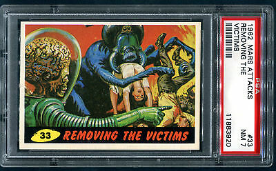 PSA 7 1962 Mars Attacks #33 Removing The Victims Topps Bubbles NM Old Label