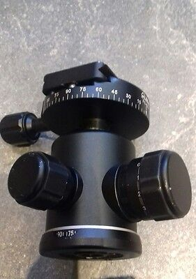 Genuine Benro B-1 Ball Head with quick release plate