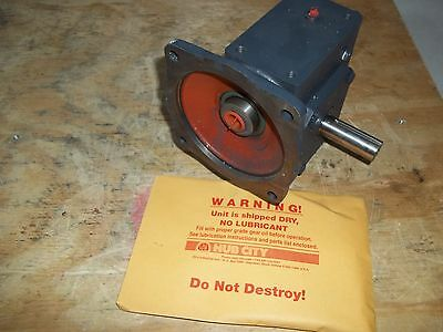New In Box Hub City 214 Right Angle Worm Gear Speed Reducer Ratio 20:1
