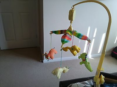 Unisex baby hanging mobile:Fun at the Zoo.