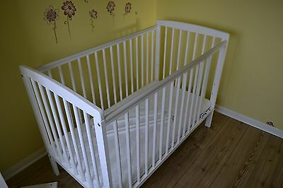 Baby's Kinder Valley Sydney Cot Bed With Mattress