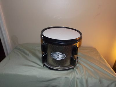 "Pearl 8"" silver sparkle mounted tom. Black hardware; great sounding drum."