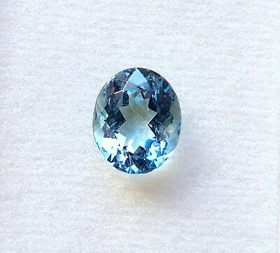UKM    AQUAMARIN   oval   3,97 CT   11 x 9 mm