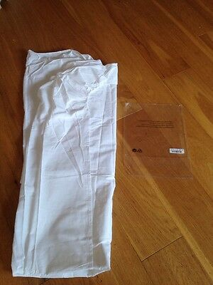 Double Fitted Sheet. White. New.