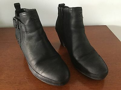 Clarks (K) Leather Ankle Boots Wide Fit/5.5