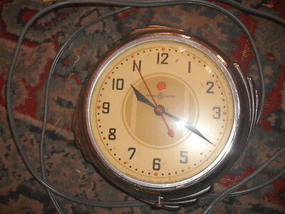 Wall Vintage 1930 69 Clocks Collectibles 3 390