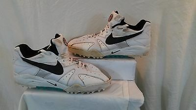 Nike Air Men's Full Spikes Leather Cricket Shoes. Size 12.5. Used. Good Conditio