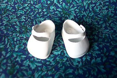 PERFECT Pair Vintage VOGUE GINNETTE Vinyl Shoes - SNOWY WHITE !